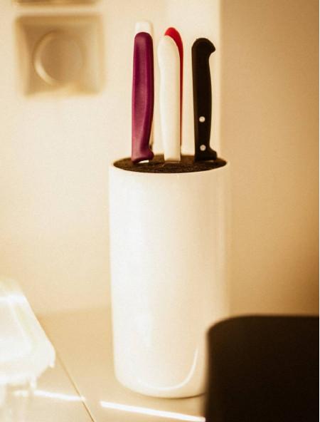 Μαχαίρι από ανοξείδωτο ατσάλι άσπρο 8.5cm