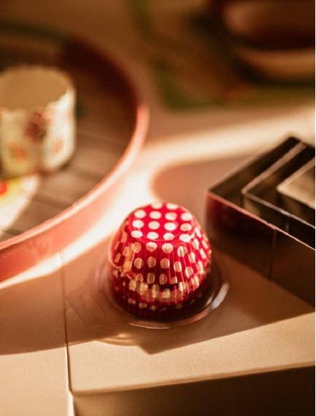 Χαρτάκια πυράντοχα για cupcakes σετ 100 τεμάχια σε 2 σχέδια