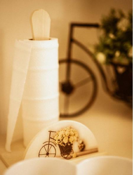 Βάση ξύλινη για ρολό κουζίνας vintage με ποδήλατο