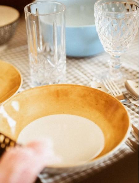 Πιάτο πορσελάνης βαθύ καφέ σχέδιο
